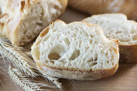 Kann man Brot frisch aufbacken?